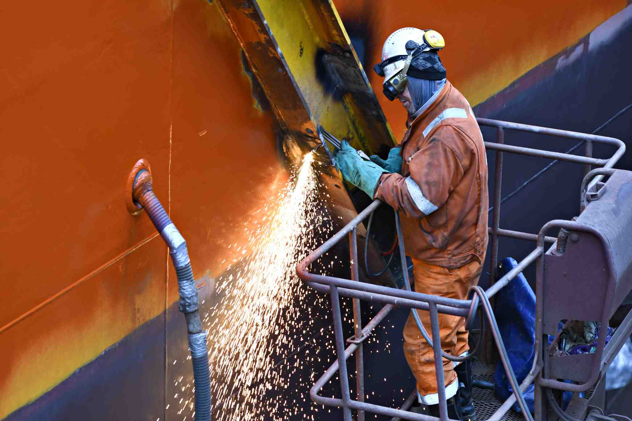 What is the most important criteria for selecting shipyard